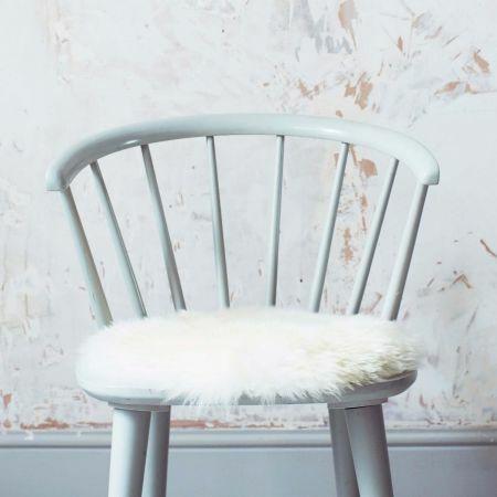 Round Ivory Sheepskin Seat Pad