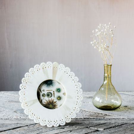 White Doily Round Bone Frame