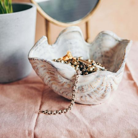 Small Clam Shell Dish
