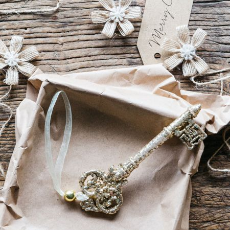 Gold Glitter Key Decoration
