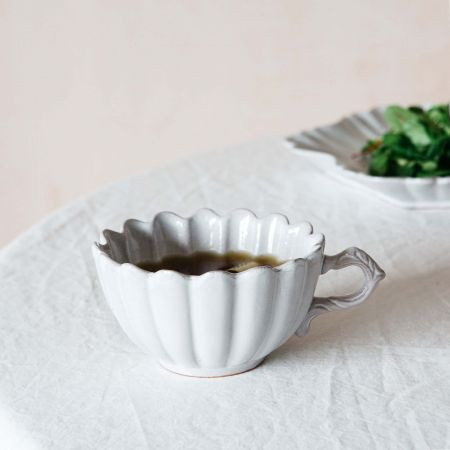 Amelie Scallop Teacup