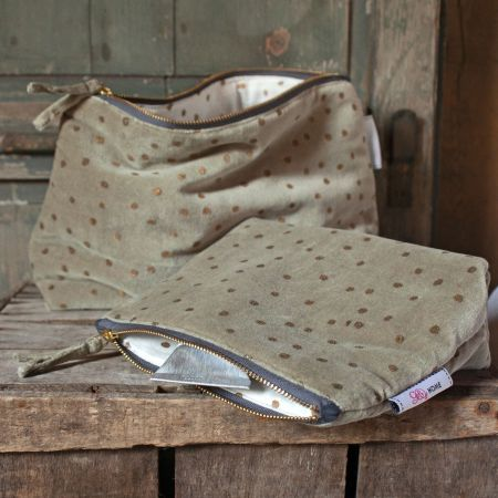 Sage Dotty Velvet Wash Bags - Thumbnail