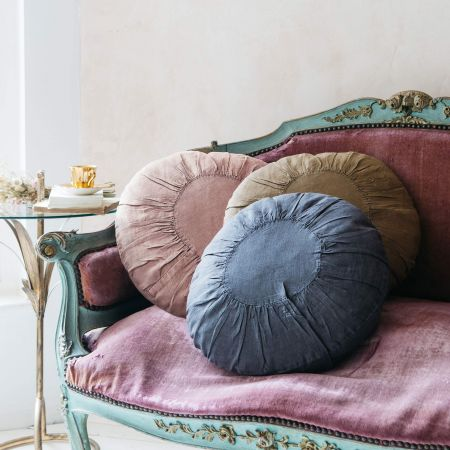 Round Linen Cushions