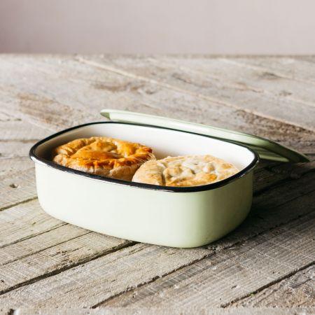 Enamel Casserole Dishes