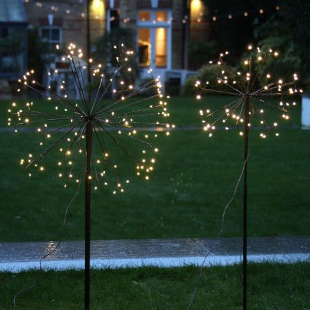 Small Outdoor Dandelion Light