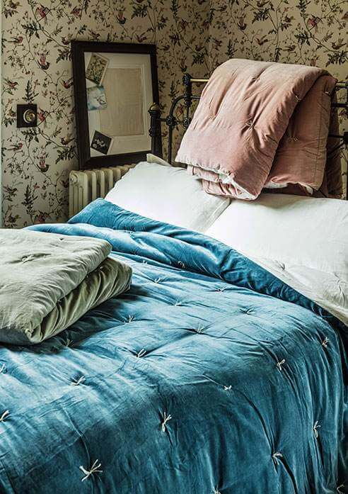 BEDDING AND QUILTS