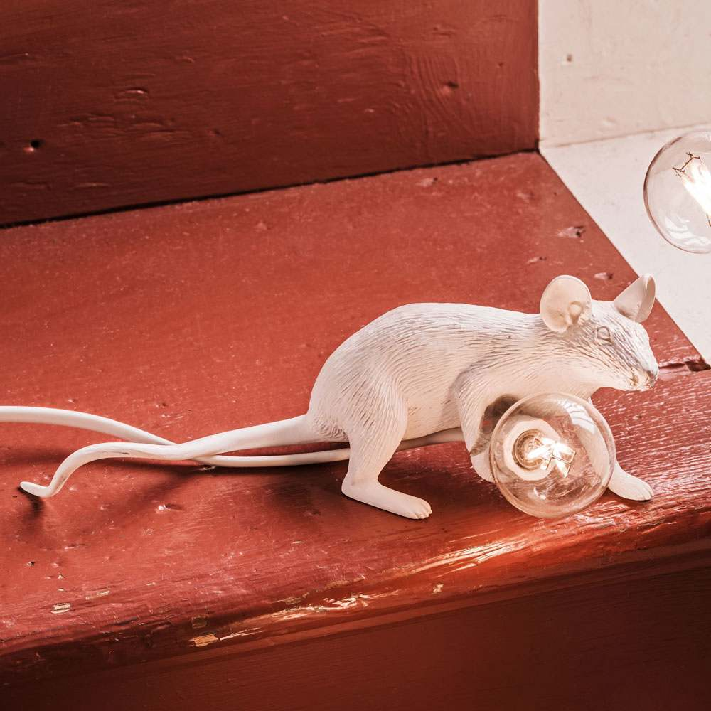 An image of Mouse Lamp Lying